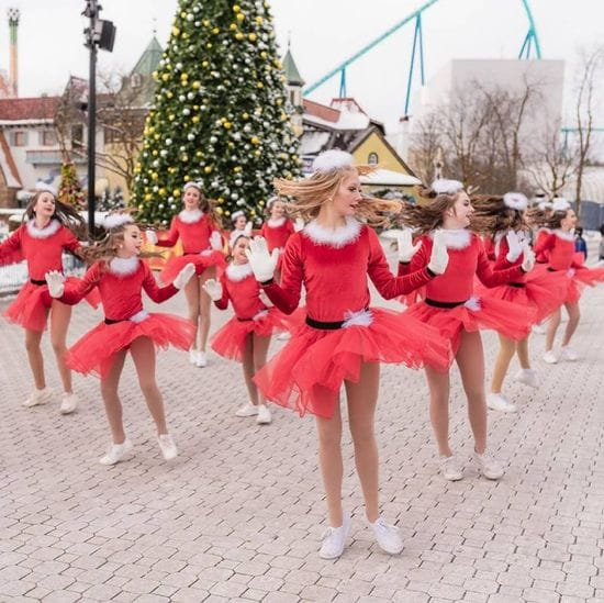 Theatre Dance Academy performs at Canada's Wonderland