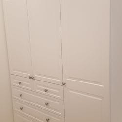 """Hinged doors and drawer fronts with """"Sophia"""" profile. 2 pack painted finish. Brushed Nickel knobs"""