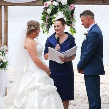 marriage celebrant Liz Pforr