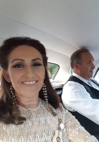 Vegas style wedding celebrant Liz Pforr