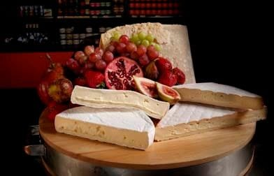 Snack on vineyard tour in Newcastle