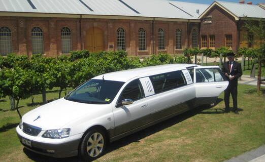 Hunter Valley Wine Tour transport Stretch Limo