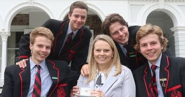 Students say 'Thanks Mum'