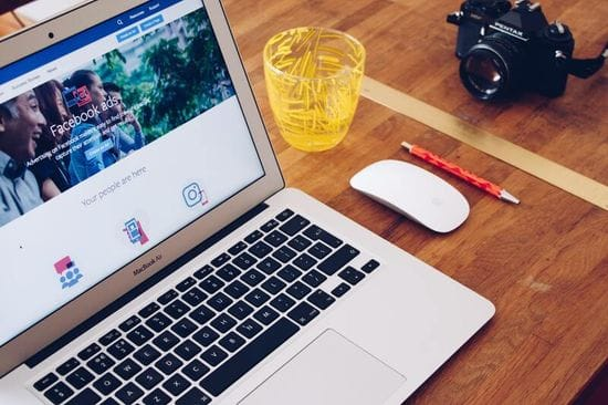 Facebook made easy in 10 steps