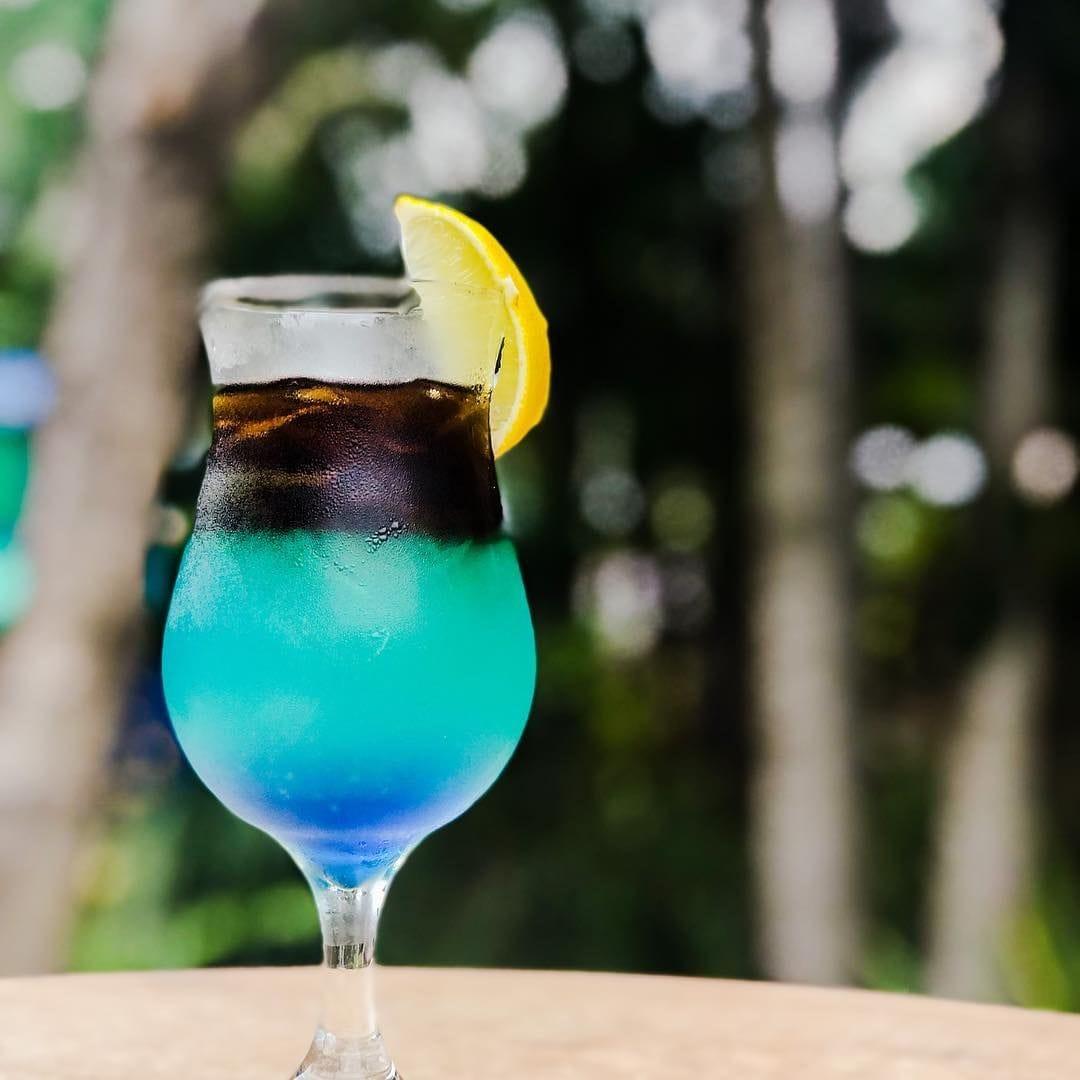 Cockatils at Blue Water Bar