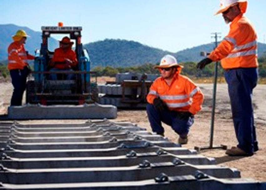 AURIZON STOPS CONTRACT TERMINATIONS IN ITS TRACKS