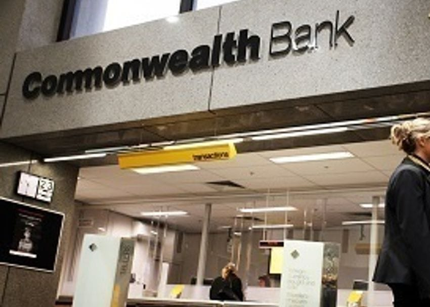 """ASIC review finds """"unacceptable"""" delays by big banks in reporting breaches"""