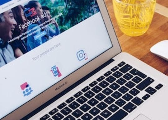 Fake ads continue to run rife on Facebook, despite ACCC intervention