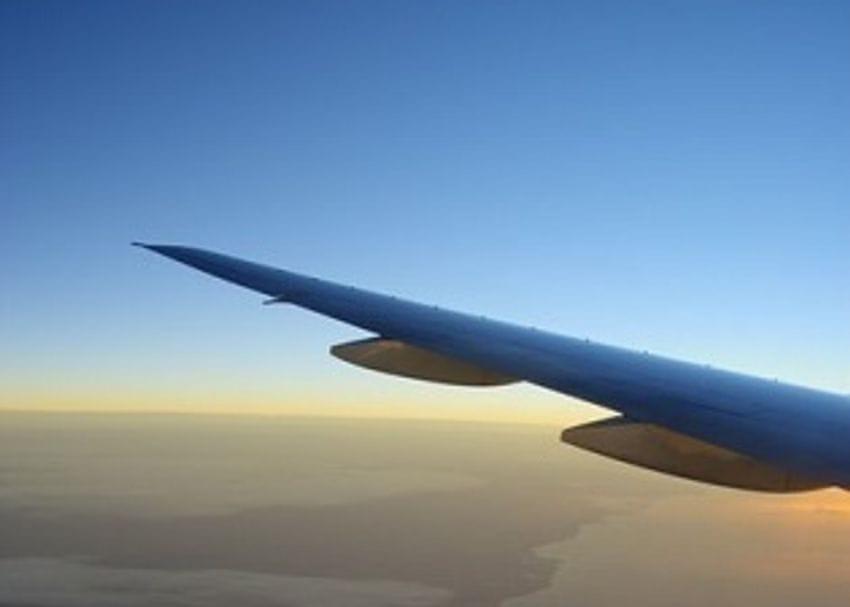 Qantas' stake in Alliance hits turbulence