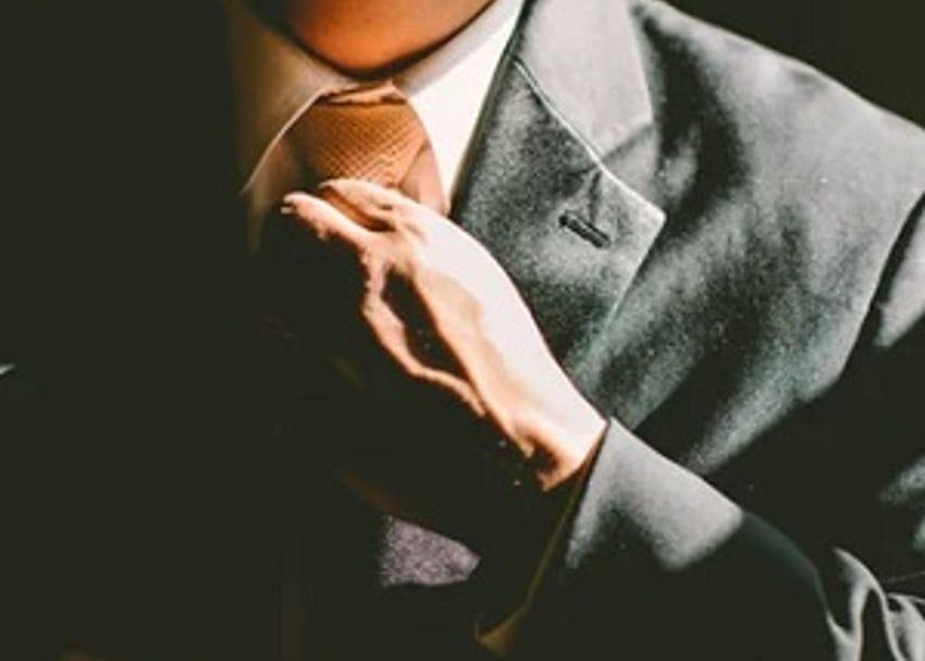ASX100 CEO salaries fell 8 per cent last year