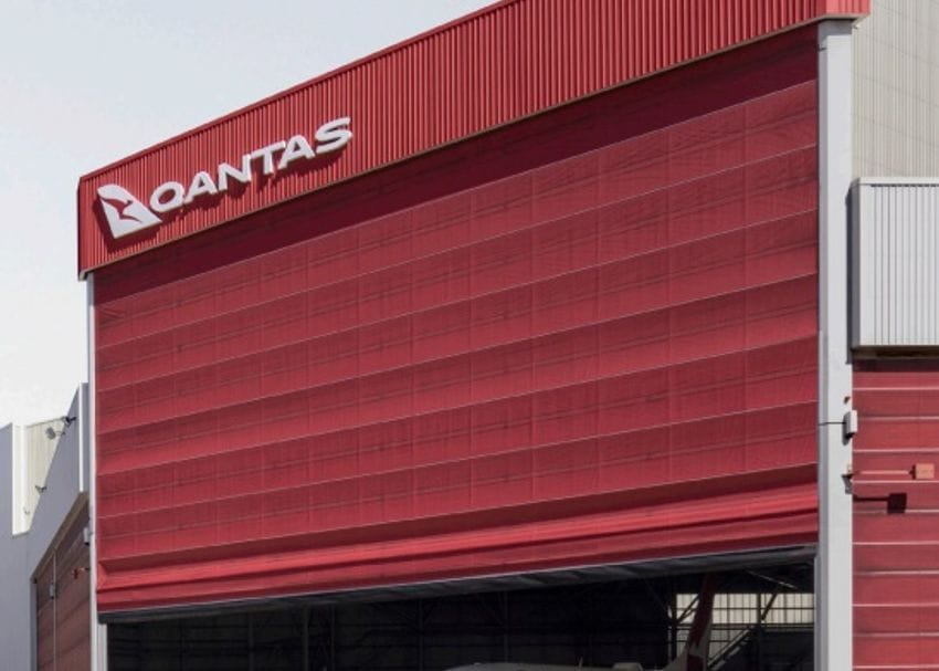 Border opening delays stymie Qantas earnings by $100m