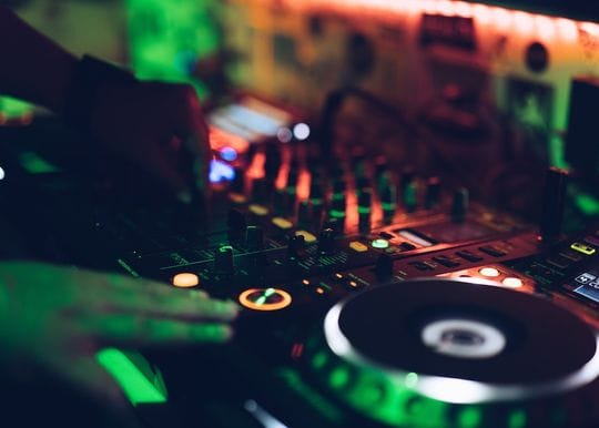 SA opening to Melbourne from Friday, dancing allowed in clubs