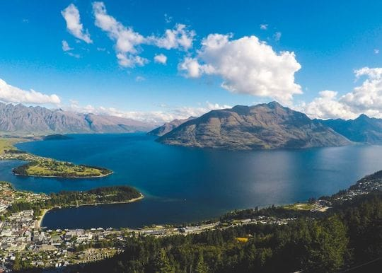 Quarantine-free travel to New Zealand in effect from 19 April