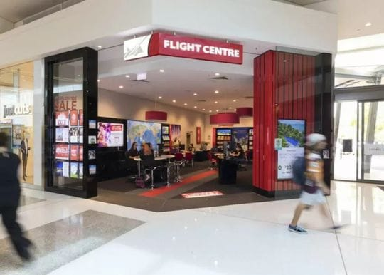 Travel agency shares drop as Qantas slashes commissions