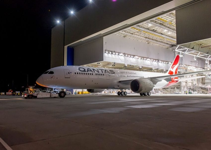 """Qantas responds to """"disturbing"""" claims that airline is infiltrated by bikies"""