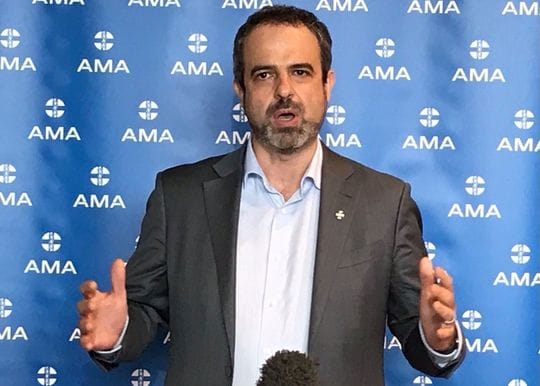 AMA urges NSW Government to order stricter lockdowns