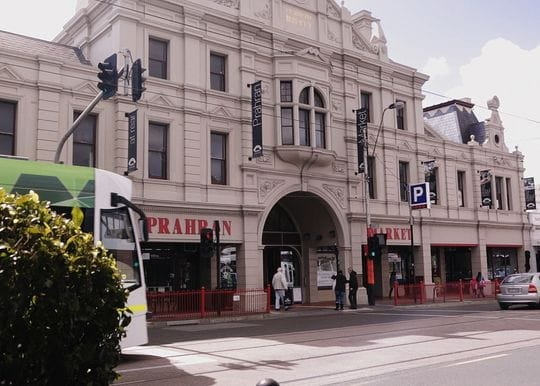 26 new cases for Victoria as alerts issued for Prahran Market