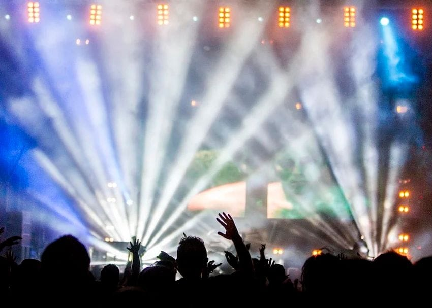 """""""Dancing is back"""": QLD to lift restrictions today"""