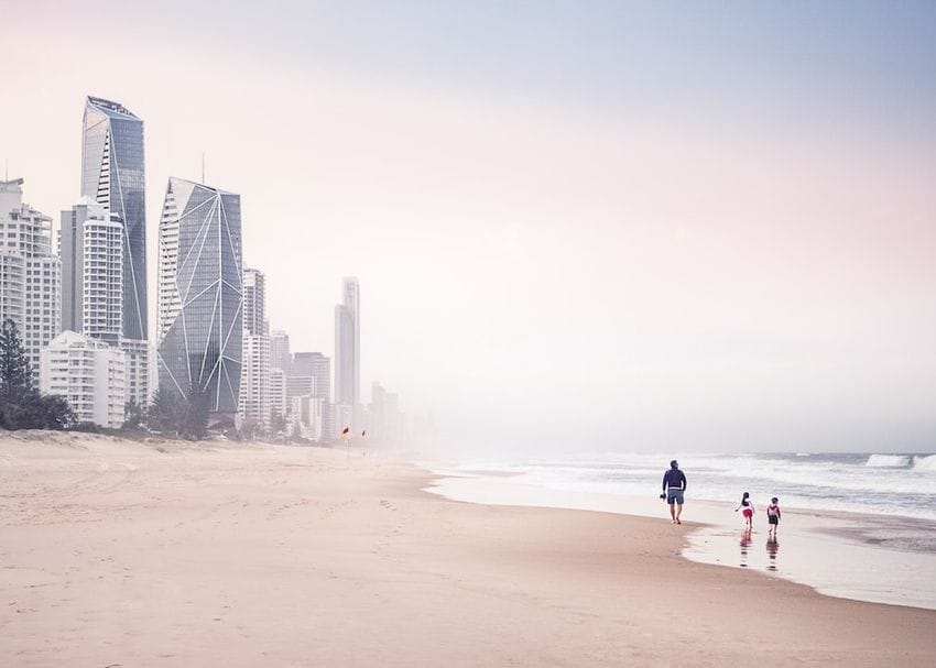 """Gold Coast tourism operators """"hanging on by a thread"""""""
