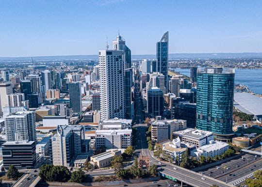 WA suspends planned quarantine-free travel bubble with Queensland