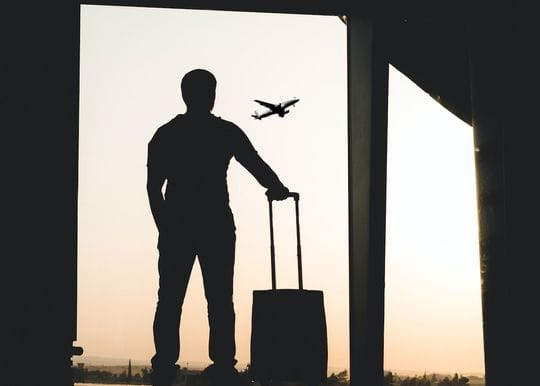 Pack your suitcase: 'Do not travel' advice lifted for outbound Aussies