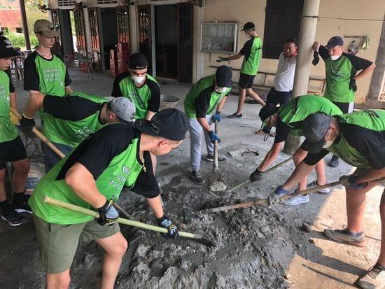 Oakhill Students helping poor in Vietnam