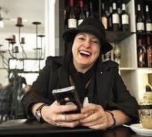 Lisa McGuigan Wines toasts the efforts of Snap Darlinghurst
