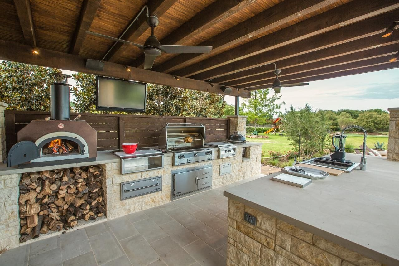 Outdoor Pizza Oven Kitchen   Trimatrix Construction Inc.