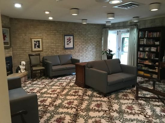 Ashwood Manor Library