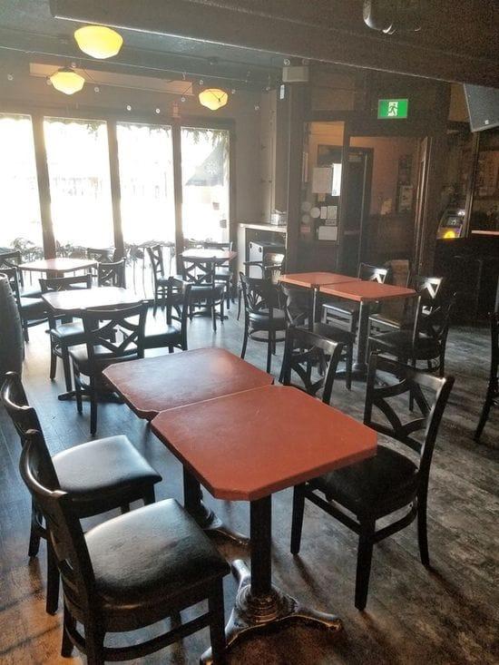 Chateau Lafayette Pub & Bar