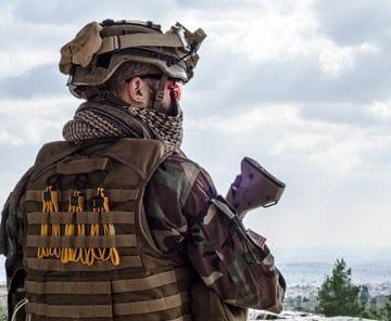 Soldier Scouting Horizon