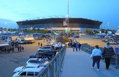 Amazon wants to turn Pontiac Silverdome site into a distribution center