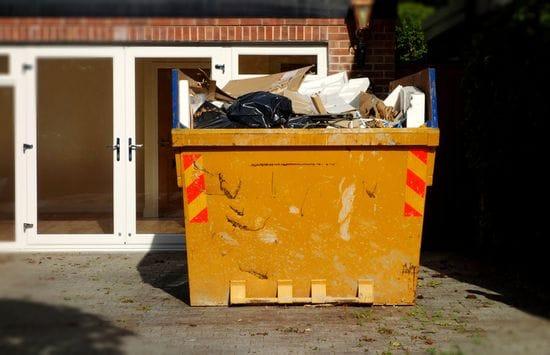Garbage Bin Rentals in Toronto: 3 Things to Consider