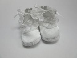 White satin baby shoe Size 3-6M
