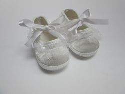 White satin baby shoe 0-6M