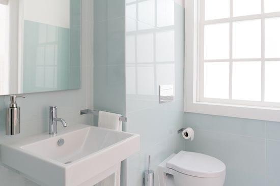 How to Make a Small Bathroom Pop