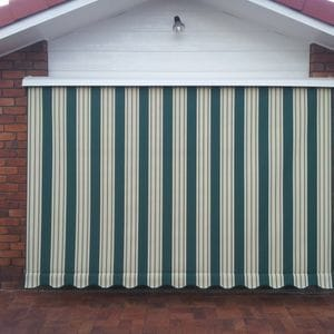Auto Roll Up With Scallop Valance