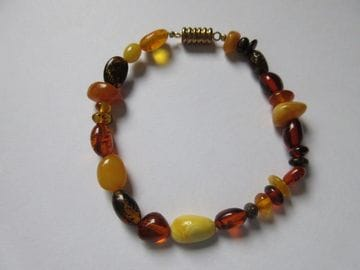 Amber –variety with magnetic clasp