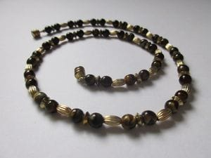 Tiger-eye with magnetic clasp