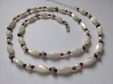 Freshwater pearl, cultured pearl, rhinestone crystals with adjustable clasp