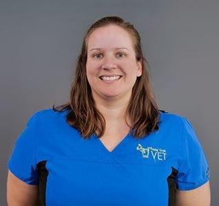 Stefanie Den Hollander, Veterinarian - Reedy Creek Vet