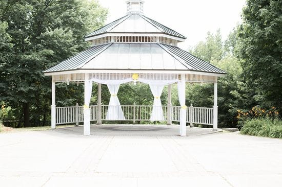 An Intimate Wedding in Rotary Park | Elizabeth & Charlene