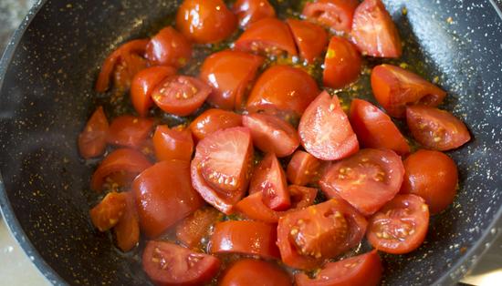 Cancer-Fighting Lifestyle Recipe: Tomato-Tofu Stir Fry