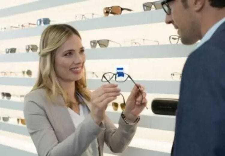 A checklist for buying new glasses