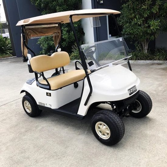 Yeppoon Golf Club Take Delivery of their New E-Z-GO TXT ELiTE Lithium Vehicles