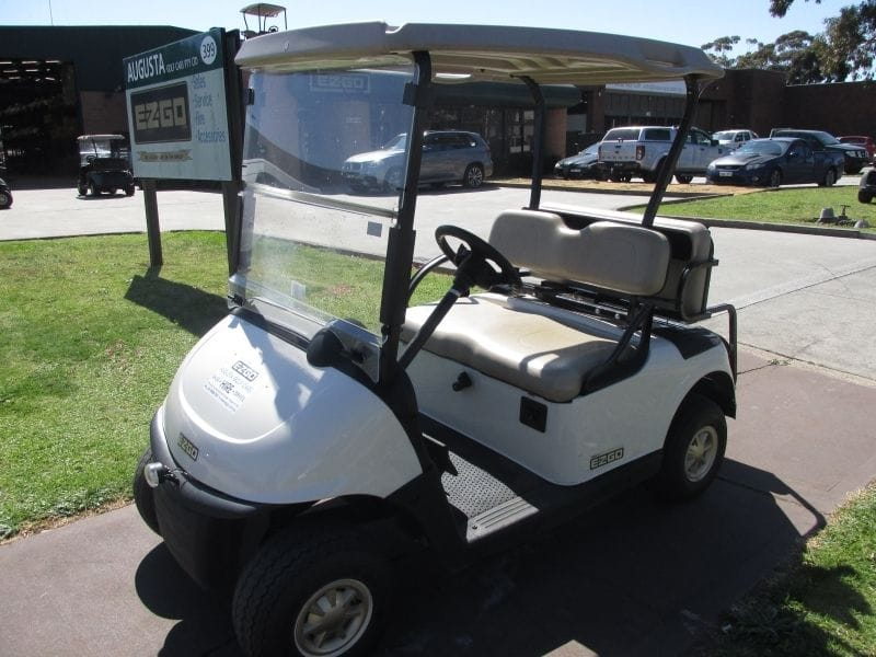 EZGO RXV REFRESH GOLF CAR