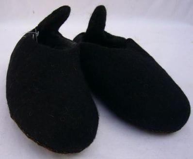 Felt slippers (size 41)