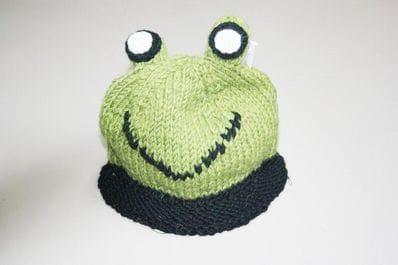 Kids frog beanie