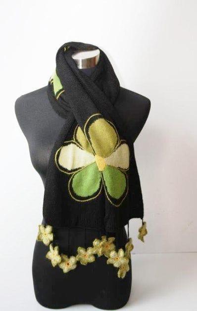 Alpaca green flower scarf