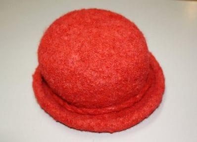 Red alpaca felt hat